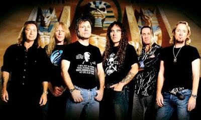 Foto de la banda Iron Maiden posando