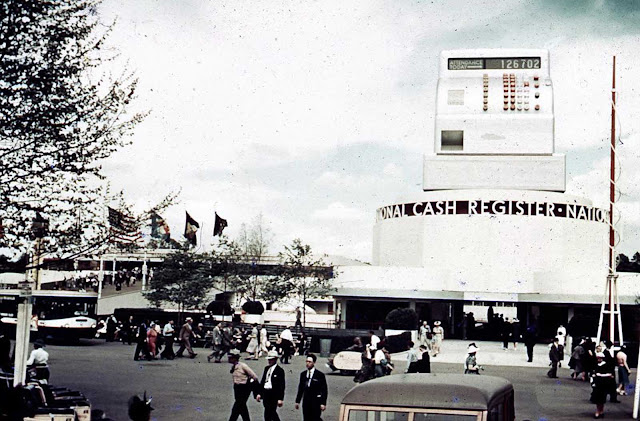 The National Cash Register Building at the 1939 New York World's Fair.