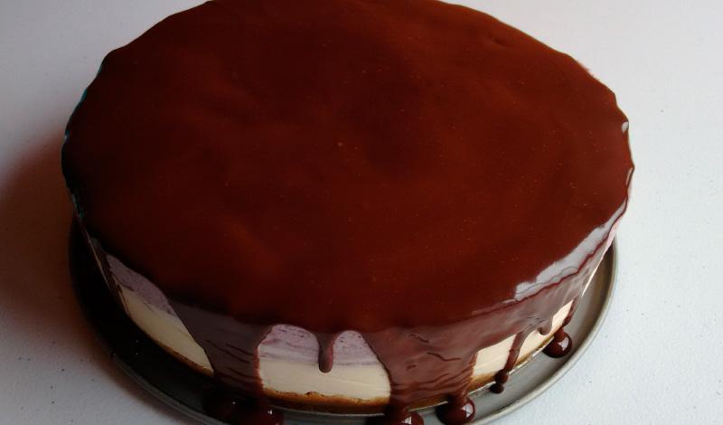 Receta de la tarta mousse de limón y arándanos con chocolate