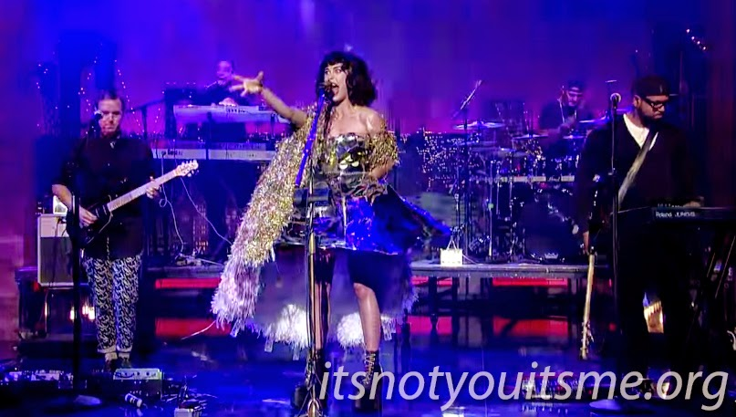 Kimbra Brings Her 90's Music To Letterman