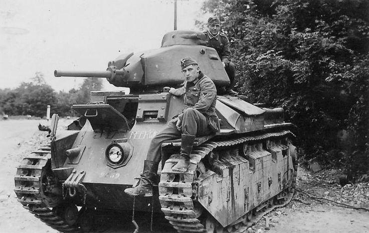 20 May 1940 worldwartwo.filminspector.com Renault D2 tank