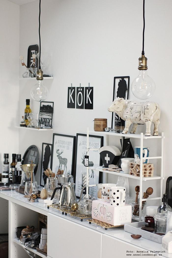 annelies design, webbutik, inredningsbutik, varberg, presentbutik, gårdsbutik, dekoration, inredningsdetaljer, grytunderlägg, mugg, hylla, vykort med bokstäver, ko styckningsdetaljer,