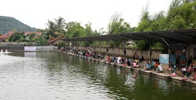 http://aquaticessen.blogspot.com/2017/02/umpan-ikan-lele-galatama-terbaru.html