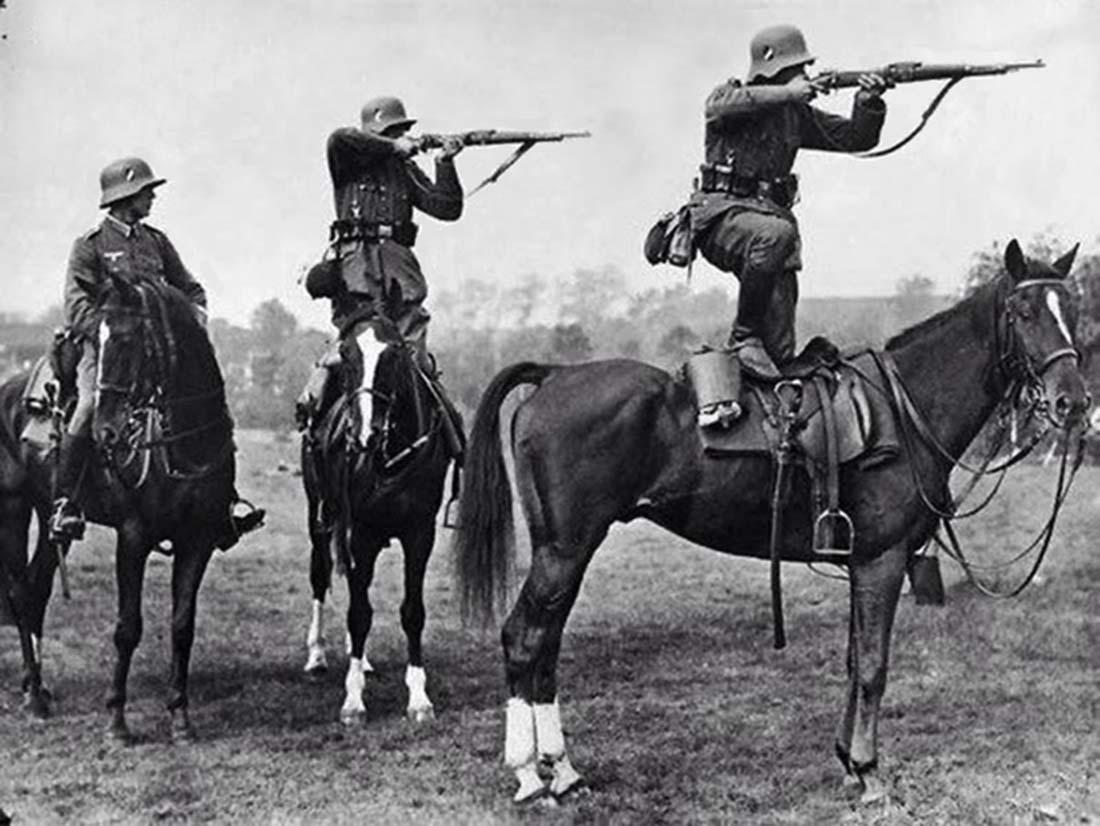 Entrenando a los caballos.