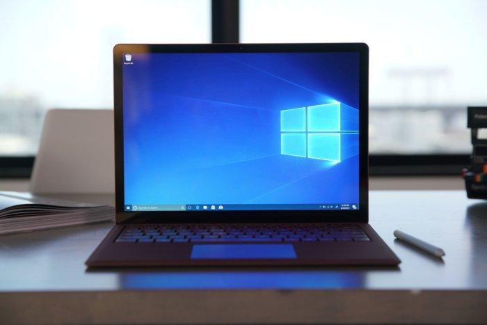 Windows Surface Laptop Large on Windows 10 Product Key 2yt43