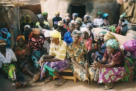 Orang-orang yang dituduh sebagai penyihir di sebuah kamp penyihir di Ghana