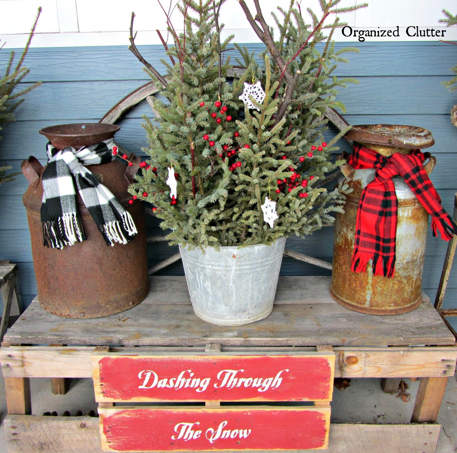 Outdoor Christmas Decorations: JUNKERS UNITE With An Outdoor Rustic Christmas Vignette