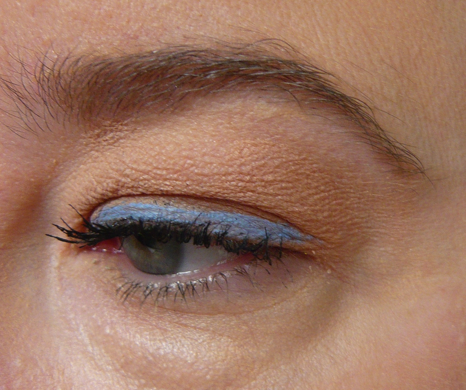 62f14e17027 The top heart is the liquid liner and the bottom is the smudge stick. As  you can see both leave the exact same shade so the preference is really how  you ...