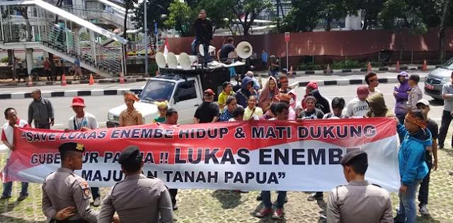 Warga Papua Ancam Dirikan Tenda Darurat Di Depan Gedung KPK