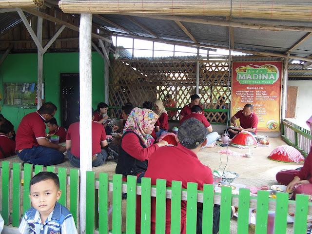 Makan Bedulang kedai Madina Belitung