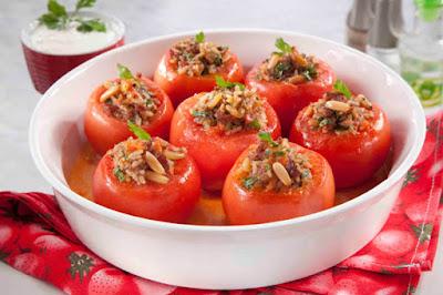 محشي الطماطم بالصنوبر - مطبخ منال العالم