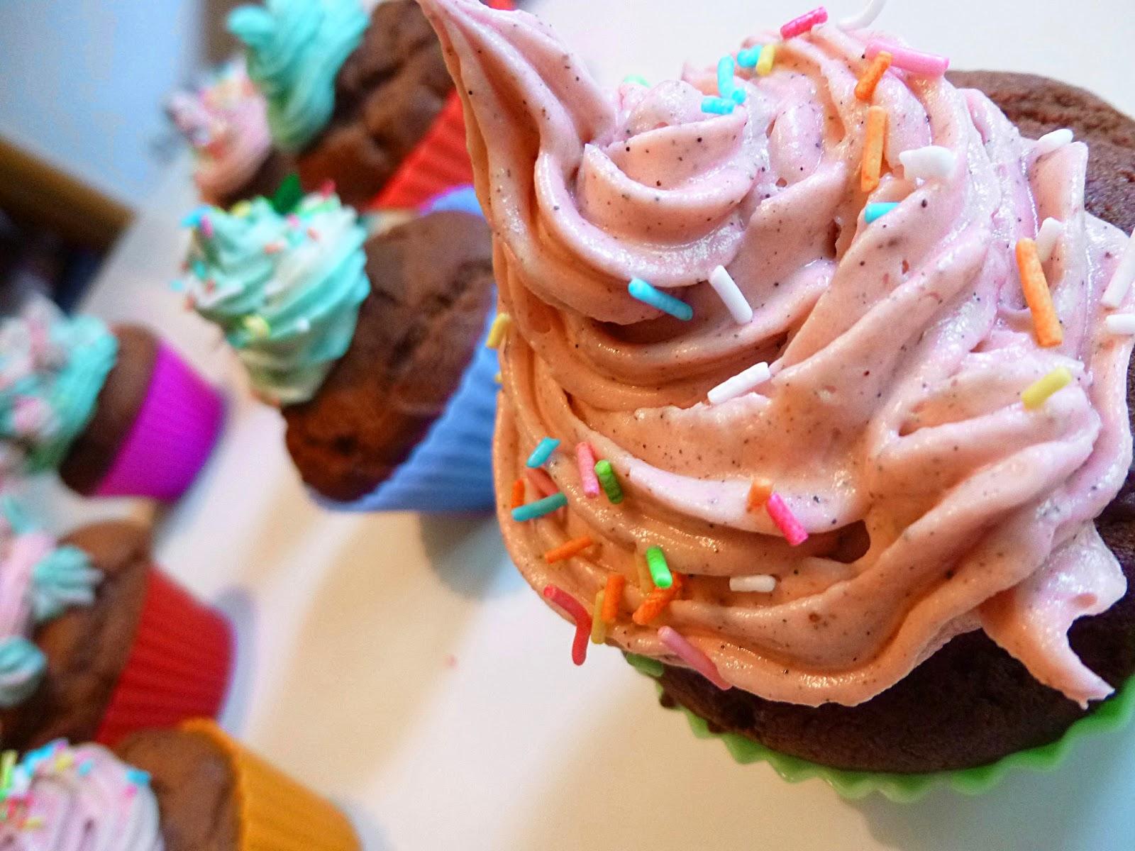 http://frlflauschmiez.blogspot.de/2014/06/vegan-bake-sale.html