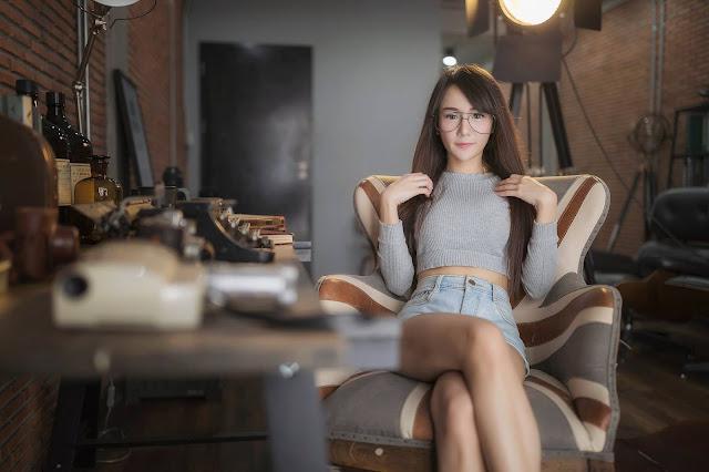 Lin Lin Cho (Nerd Girl)