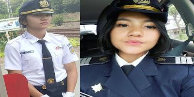 Sering Bertugas di Stasiun Manggarai, Petugas KRL Berparas Cantik Ini Jadi Viral Karena Senyumnya yang Bikin Adem