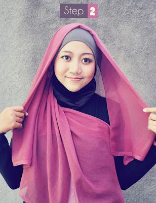 Cara memakai jilbab segi empat kreasi modis terbaru