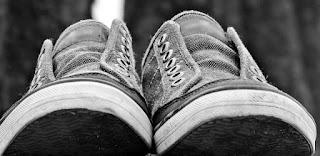 Cara Memasang Tali Sepatu dengan Berbagai Bentuk