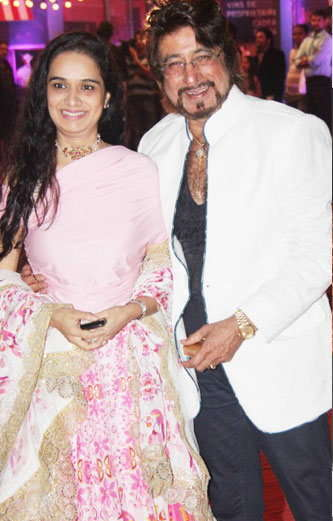 Shakti Kapoor with wife