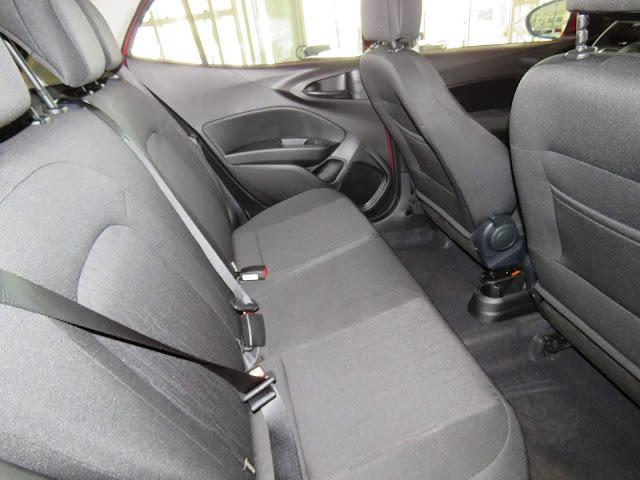 Fiat Argo 1.8 - espaço traseiro