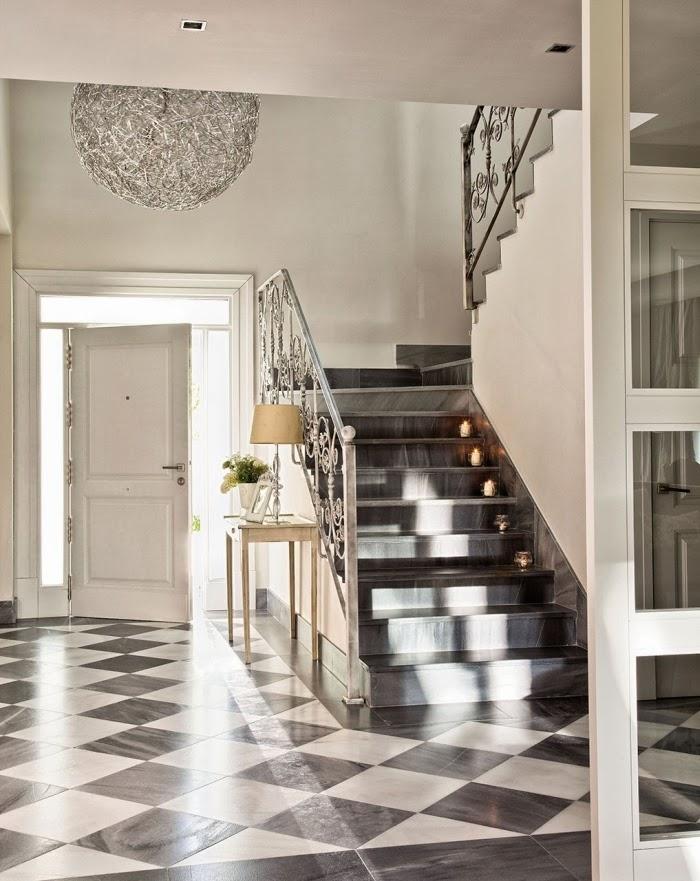 Piękny dom w pobliżu Madrytu, wystrój wnętrz, wnętrza, urządzanie domu, dekoracje wnętrz, aranżacja wnętrz, inspiracje wnętrz,interior design , dom i wnętrze, aranżacja mieszkania, modne wnętrza, styl klasyczny, styl francuski, otwarta przestrzeń,