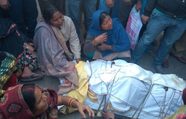 People angry with the dhaba operator Lallan's dubious death