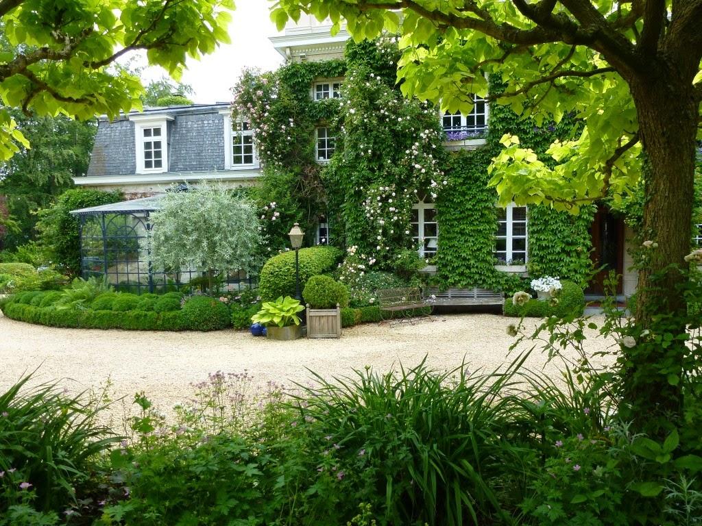 balades dans de beaux jardins le jardin du sous bois. Black Bedroom Furniture Sets. Home Design Ideas