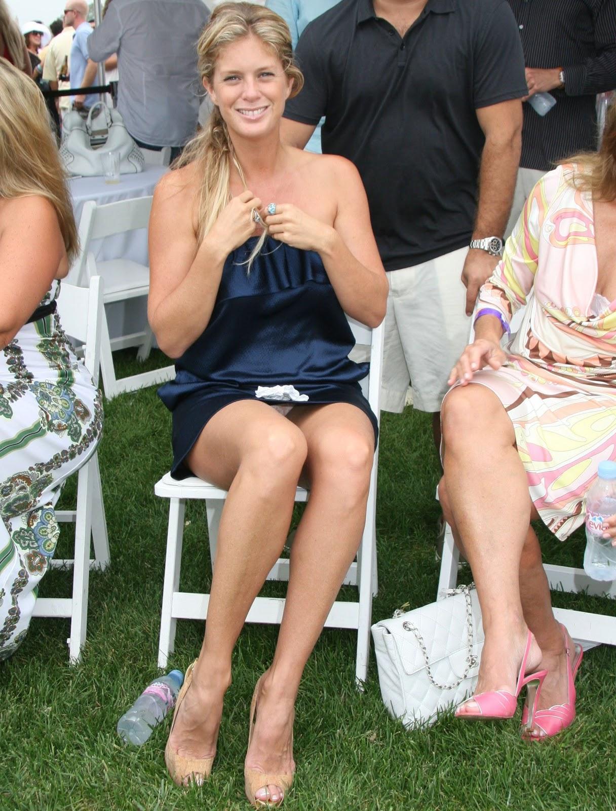 Rachel Hunter Pokies Cleavage Upskirts Her Nipples Were Married To Rod Stewart For  Years She Is C