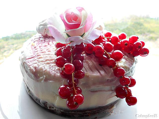 frutos vermelhos e creme de queijo bolo