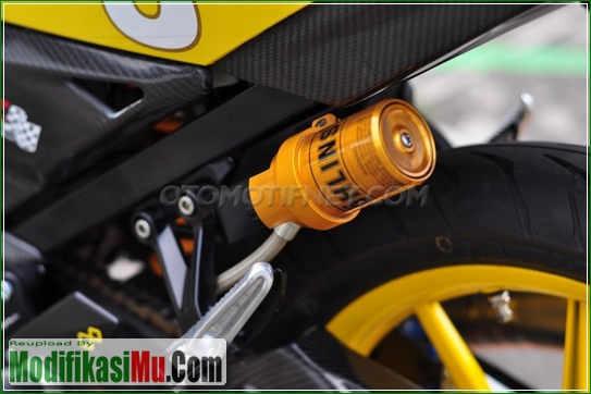 Shokbeker Belakang Pakai Ohlins Full Adjustable - Video Cara Modifikasi Satria F Yu F150 2016 Warna Ungu dan Kuning Yang Mewah Untuk Harian Sederhana Tapi Keren