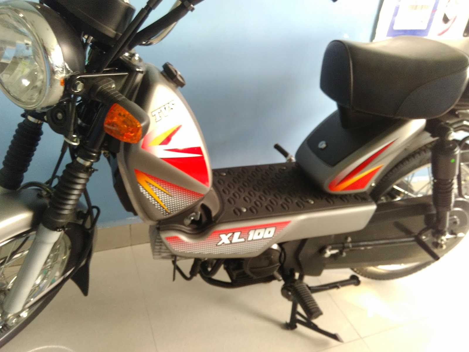 TVS XL100 4 stroke- Most affordable moped now more peppier! - eNidhi
