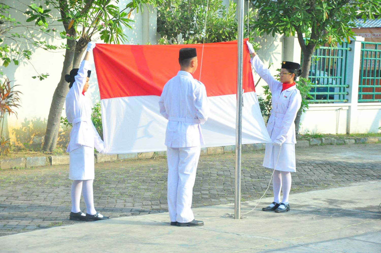 Upacara HUT Republik Indonesia ke-71 SMA Kristen Kalam Kudus
