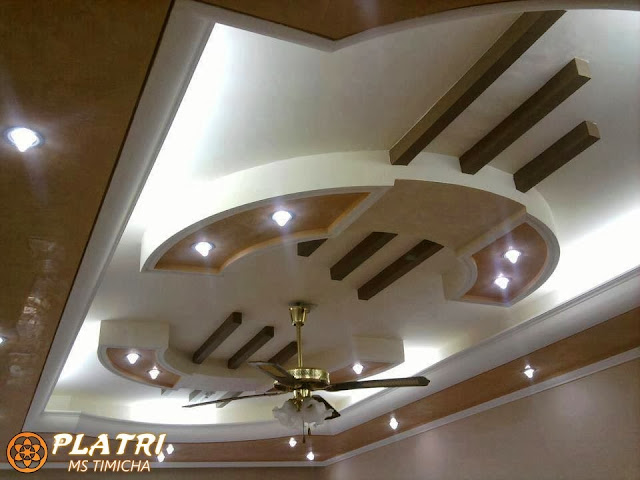 Decoration en platre 2 d coration salon platre for Decoration plafond en ba13