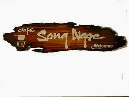 mẫu bảng hiệu gỗ