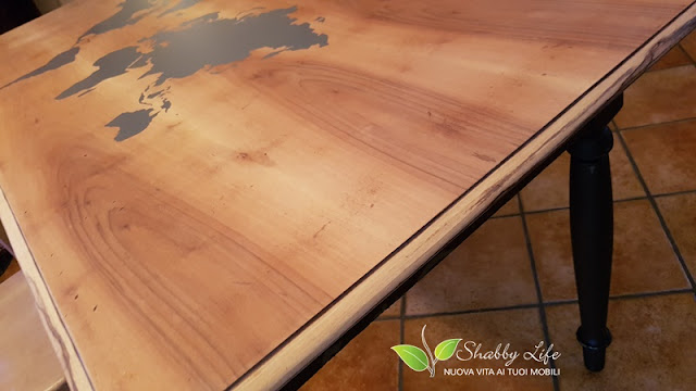 restyling di tavolo con le cere in stile Industrial