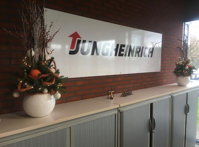 Kerstbomen huren voor bedrijf kantoor event feest beurs in Limburg Vlaams-brabant Antwerpen Brussel