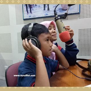 http://www.nurulfitri.com/2017/08/pentingnya-literasi-bagi-anak.html