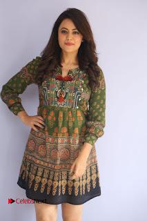 Actress Shruti Sodhi Pictures at Meelo Evaru Koteeswarudu Trailer Launch  0019.JPG
