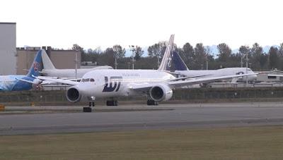 Boeing 787 Dreamliner SP-LRA