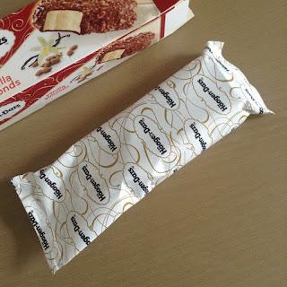 haagen dazs vanilla almonds