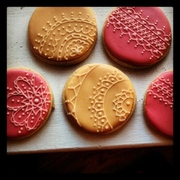 Pink Sugar Cupcakes: Vintage Lace Cookies