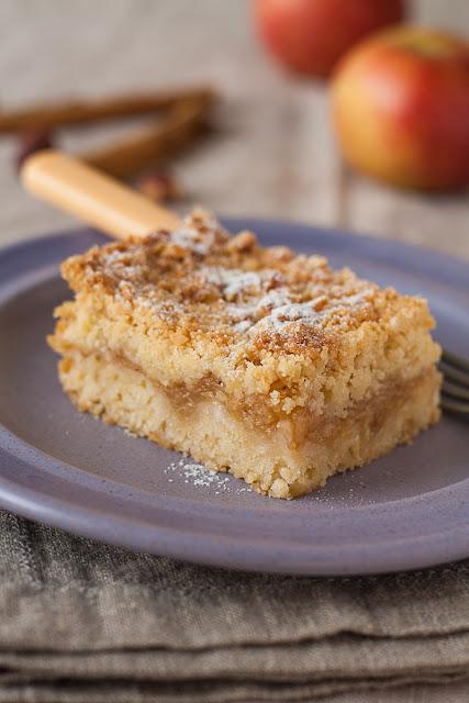 Prhki kolač od jabuka
