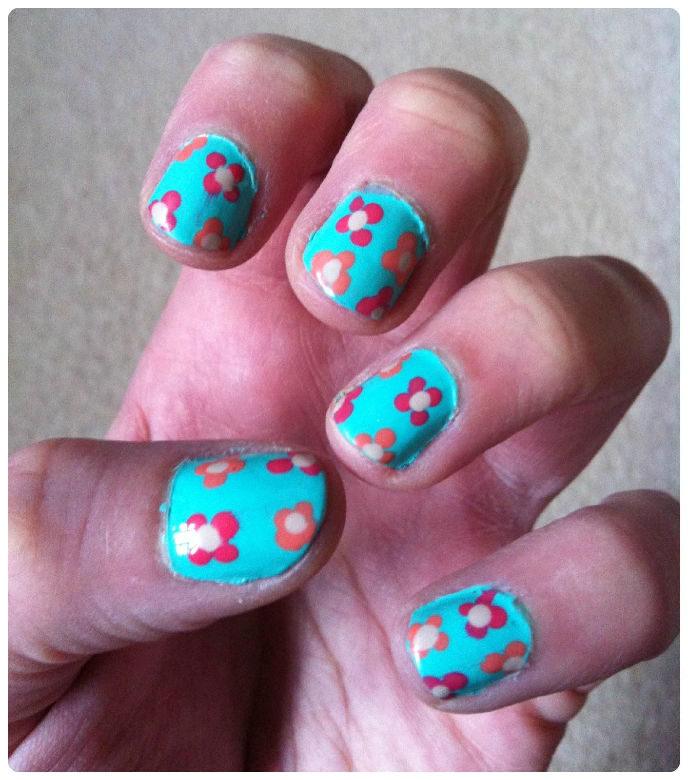 Flower Nail Art: Glitter & Gloss: Simple Nail Art 6: Dotty Flowers