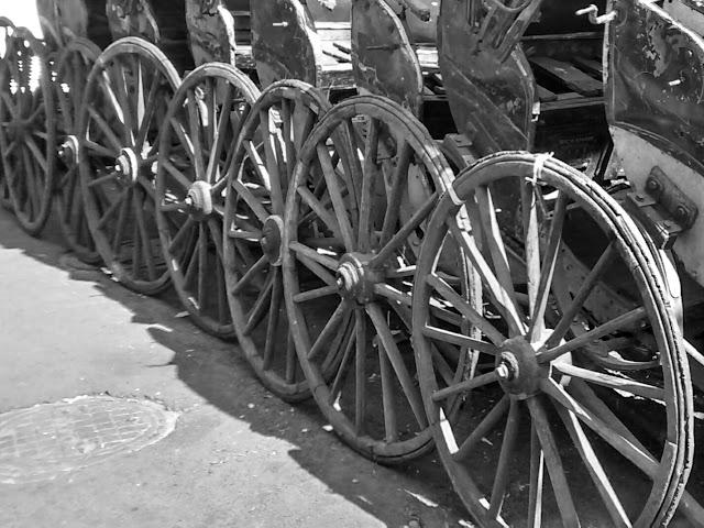 handpulling rickshaws in kolkata