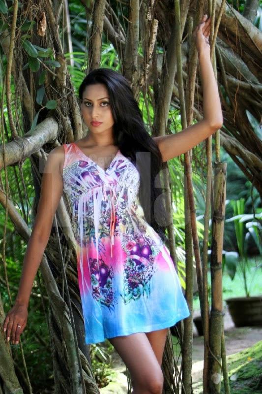 Nilukshi Amanda Hot Photos