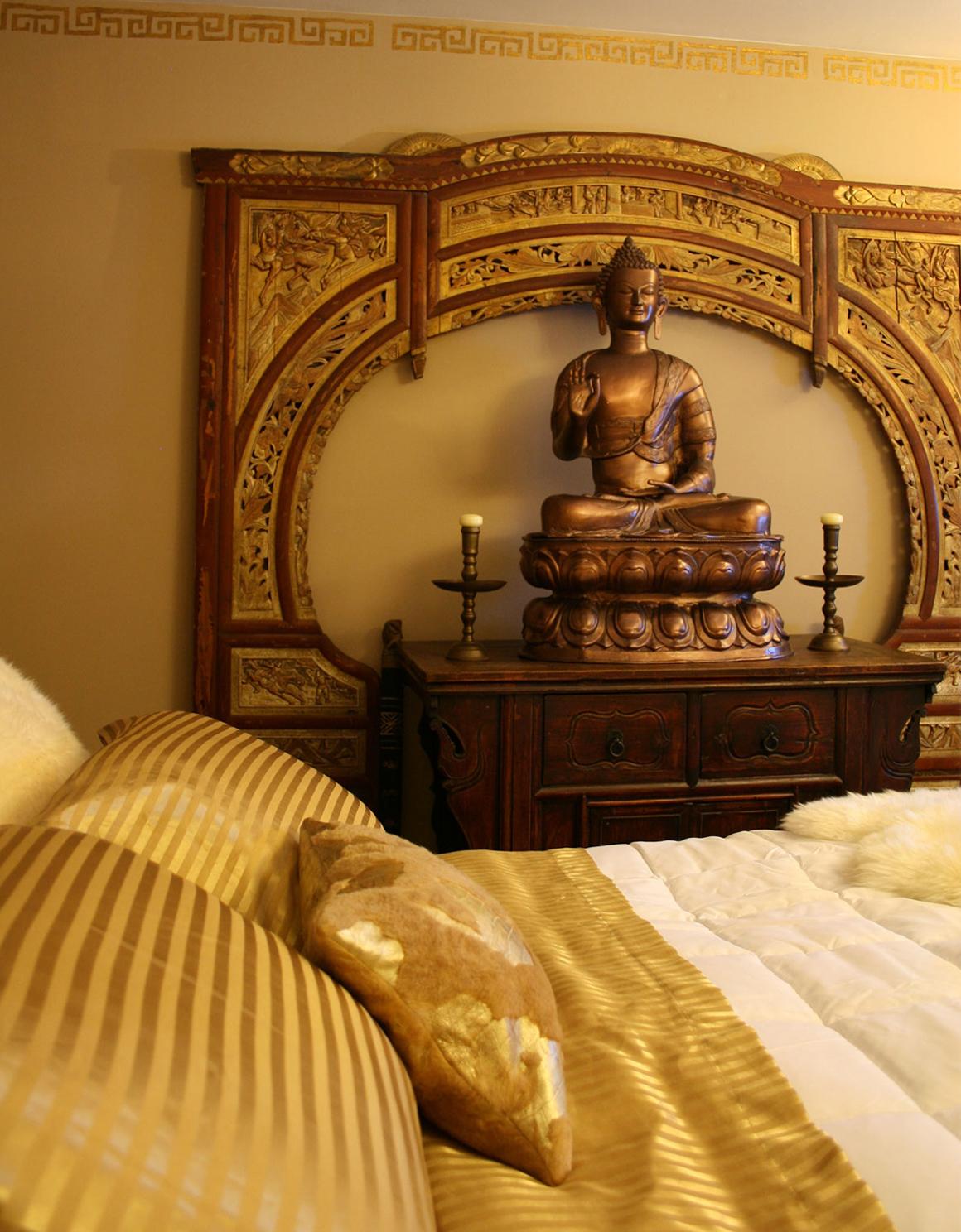 apartmentf15: gold bedroom