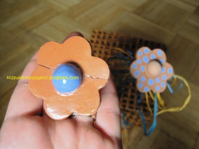 kwiatki z gliny