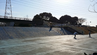 大阪サーフスケート聖地 ハイブリッドロンスケ多目の深北緑地