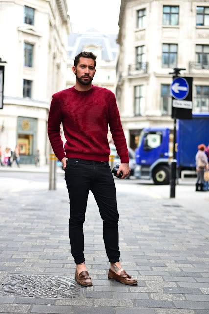 Look masculino suéter cor bordô