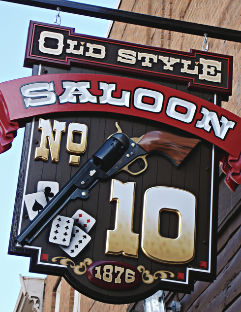 deadwood south dakota saloon 10 wild bill bar