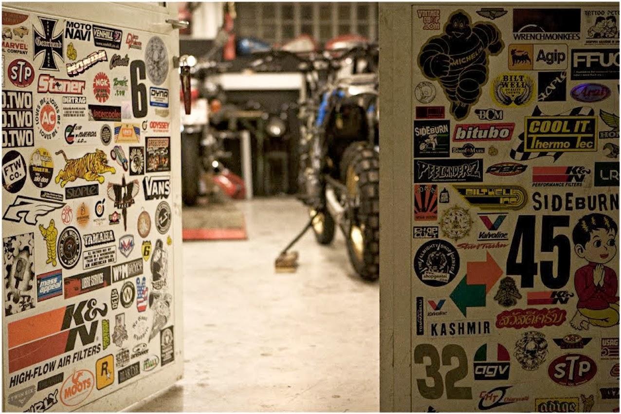 Les garages, les pièces mécaniques d'ici et d'ailleur.... - Page 32 Mercenary+Wrenchmonkees+Workshop+Stickers