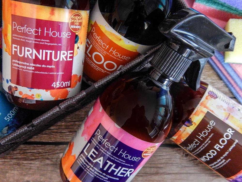 8 barwa perfect house kosmetyki do pielęgnacji domu porady na wiosenne porządki perfumowana woda do prasowania recenzja melodylaniella płyn do mycia podłóg specyfiki do mebli do czyszczenia do sprzątania skóry